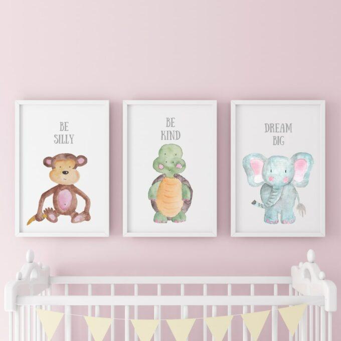 Poster-für-das-Kinderzimmer-Affe-Schildkröte-Elefant-Rosa
