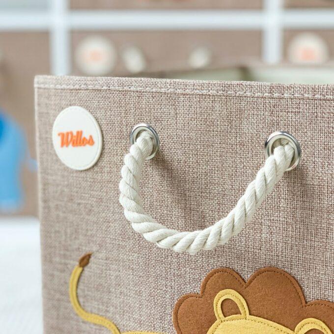 Spielzeugbox-mit-Griff-Löwe